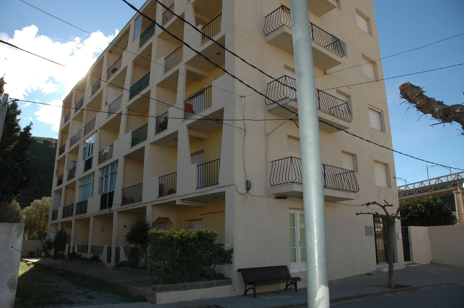 Alquiler tur stico apartamento de uso tur stico en el for Pisos alquiler alt emporda