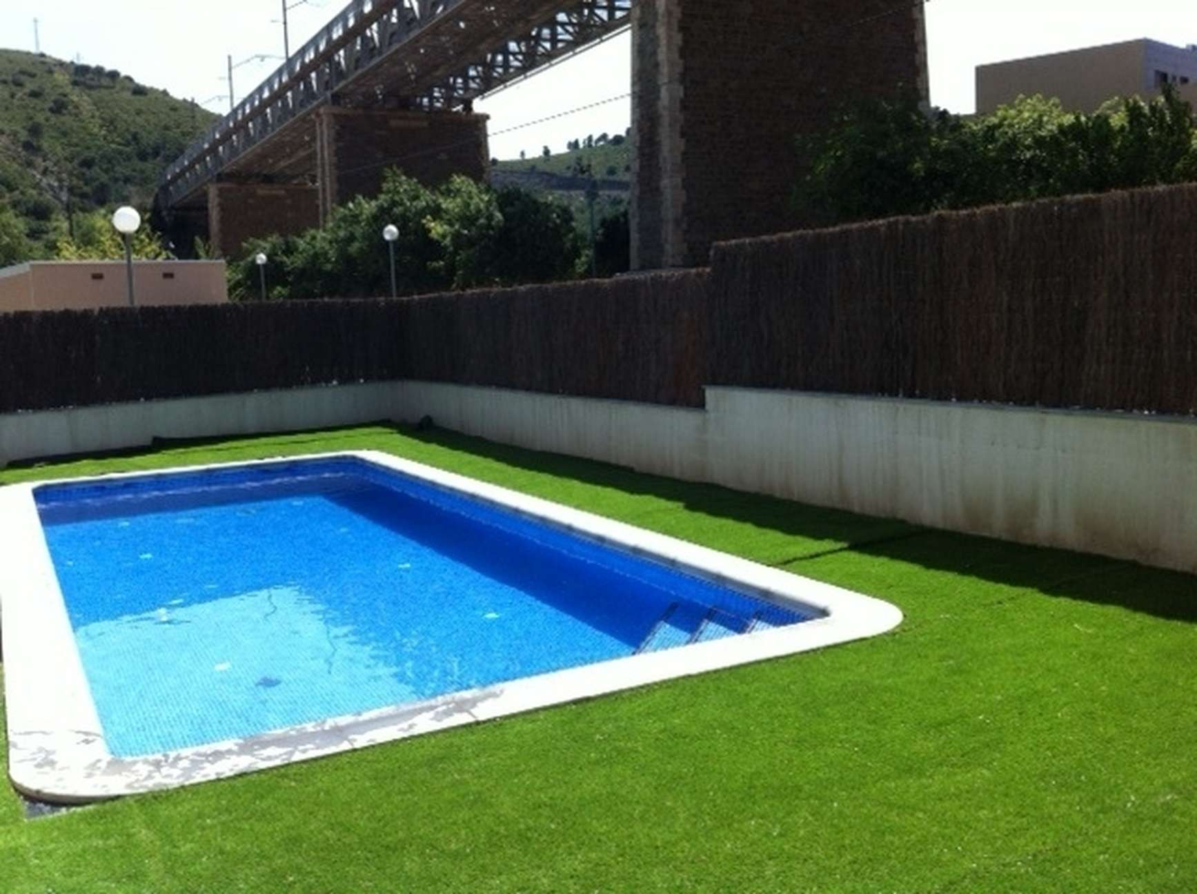 tourist rent apartment with pool and barbecue near the beach