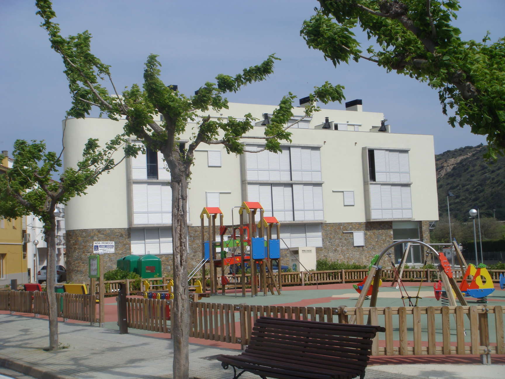 Venta piso con terraza y barbacoa muy luminoso girona alt for Pisos alquiler alt emporda