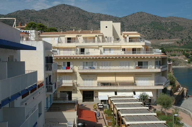Apartment with terrace at the building Roca del Mar