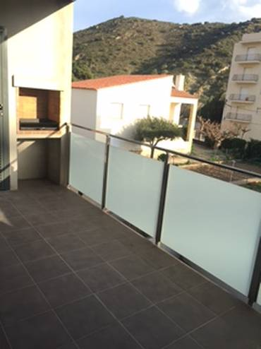 Ground floor with terrace, pooll, garden and barbecue near the beach
