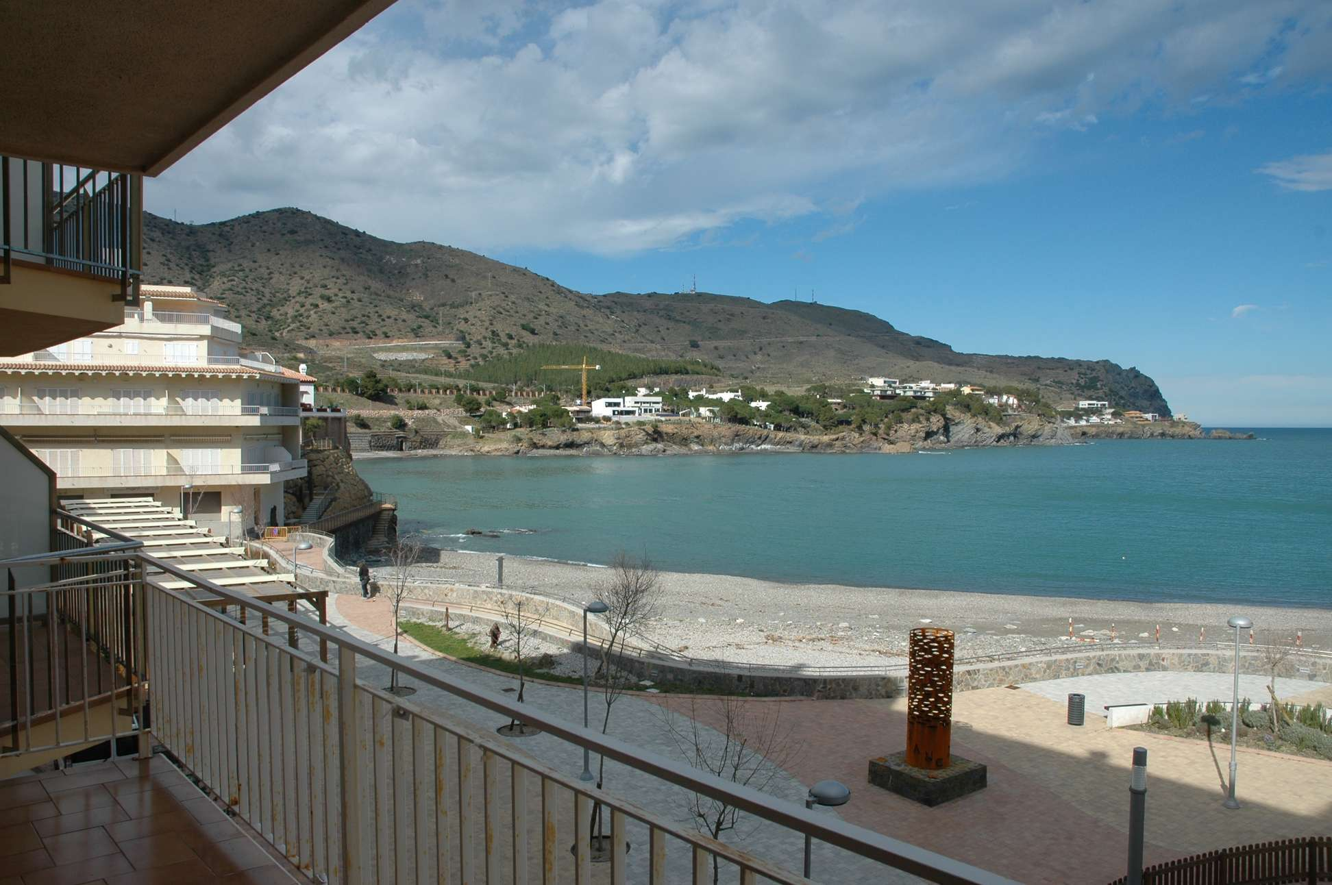 Venta piso renovado en primera linea de mar girona alt empord for Pisos alquiler alt emporda
