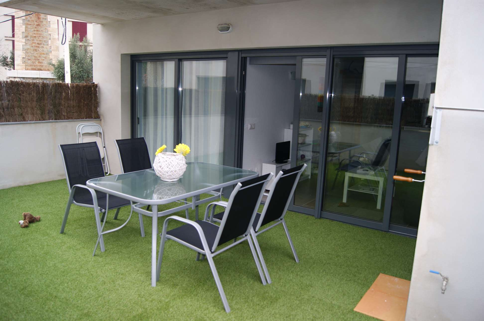 Alquiler tur stico planta baja con jard n terraza - Barbacoas para terrazas ...
