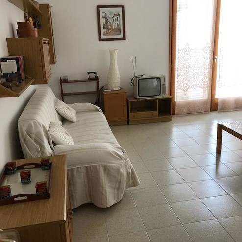 2 BEDROOMS APPARTMENT IN COLERA CENTER