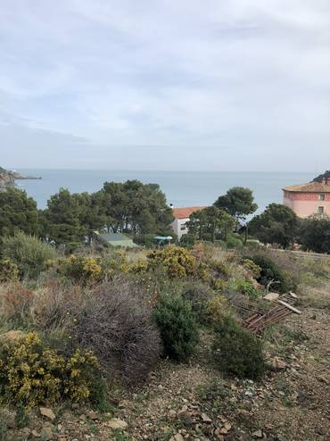 Plot to build with very good views of the bay of Colera